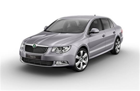 Купить Автомобили легковые представительского класса Škoda Superb FAMILY