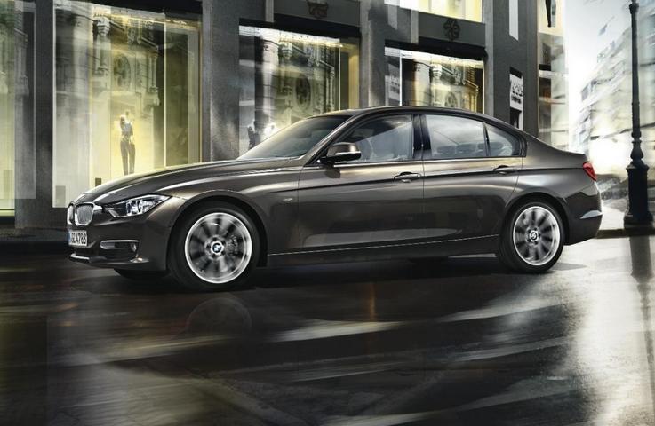 Купить Седан среднего класса BMW 3