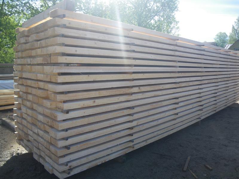 Купить Предлагаем пиломатериалы из хвойных пород древесины - сосны и ели, произведенные в Европе и России.