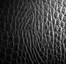 Чистка изделий из кожи